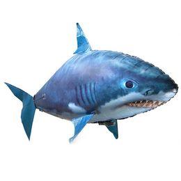 tubarões de natação de brinquedo Desconto Assembléia inflável IR RC Air nadador tubarão Clownfish ar voando Nadadores Natação Clown Fish Controle Remoto Blimp Air Balloon Toy Swimmer