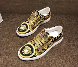 Wholesale Gold Lace Wedding Shoes - Fashion bean shoes, gold thread embroidery, fashionable men's casual shoes, comfortable , lazy shoes, fine paint leather, driving shoes.n66