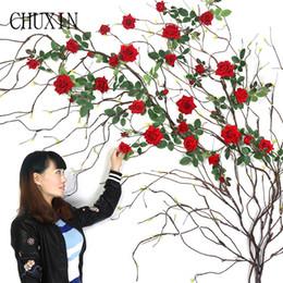 rose rosse rosse Sconti rami di albero di schiuma artificiale ad alta simulazione all'ingrosso decorazione della casa soggiorno rami finti Ingegneria paesaggistica 1 pz