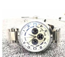 Hombres calientes reloj de cuarzo fecha de China Alta calidad al por mayor de moda de lujo a estrenar relojes para hombre de acero inoxidable desde fabricantes