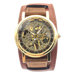 смотреть женский кожаный холст Скидка Golden Tone Hollow Skeleton Mens Lady Women Wind Up Mechanical Analog Wrist Watch Canvas & Leather Band Watch  Timepiece