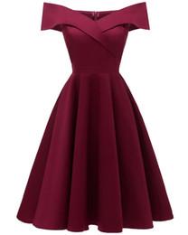 Muchacha del cordón sin mangas del halter ahueca hacia fuera bordado atractivo de la boda de noche vestido de las mujeres vestido de encaje de flores impresas hermoso vestido de dama CD1635 desde fabricantes