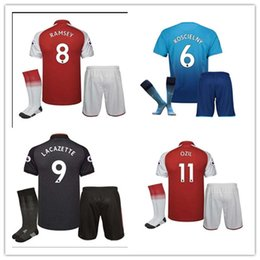 Wholesale Cotton Short Socks - promotion2018 new Gunners armory OZIL soccer jersey+sock 17 18 kit ALEXIS WILSHERE GIROUD CHAMBERS XHAKA home soccer shirt kits
