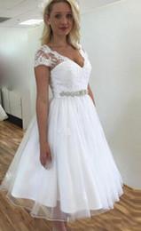 ceintures de mariée en dentelle Promotion Vintage court dentelle années 50 robes de mariée à manches courtes col en V à perles ceinture une ligne de longueur de thé robes de mariée taille personnalisée