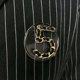 2019 plaques d'immatriculation de mariage Broches Unisexe Broches Plaqué Or Nombre Broche Broche pour Hommes Femmes pour Mariage Mariage Beau Cadeau plaques d'immatriculation de mariage pas cher
