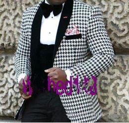 Esmoquin de cachemira online-Nuevo estilo novio esmoquin padrinos de boda chal negro solapa cachemir hombres chaqueta chaqueta hombres boda trajes de baile (chaqueta + pantalones + chaleco + corbata) 27