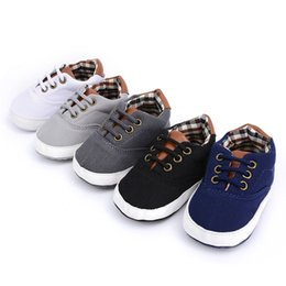 Wholesale newborn soft shoes - Cute toddler anti-skid sneaker shoes prewalker newborn baby girls boys soft sole shoes casual shoes free shipping
