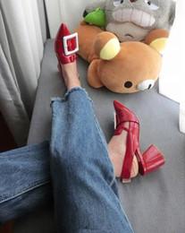 2019 zapatos de charol rojo tacón grueso Sapato Feminino Escarpins Chunky High Heels Sandalias Gladiador Mujer Hebilla Correa Charol Red Wedding Runway Pumps Zapatos rebajas zapatos de charol rojo tacón grueso