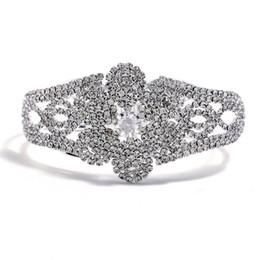 Canada Vente chaude De Mariée De Mariage Bracelet Bracelet Strass Bracelet En Cristal De Fleur De Charme Charm Bracelet Bracelet Chaîne De Griffe Bracelet Pour Fiançailles Offre