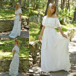 Wholesale Country Girl Sexy - Garden Country Style Ivory Lace Wedding Dresses Off Shoulder Ruffle Hippie Bridal Gowns Maxi Gypsy Girl Boho Vestido