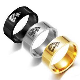 juego de oro tronos joyas Rebajas Juego de Tronos de Acero Inoxidable Winterfell Stark Wolf Anillo Plata Dorado Anillo de Banda Negro para Mujeres Hombres Joyería de Moda