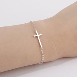 1 PC Pequeno Cruz Pingente Charme Pulseira Religiosa Jesus Crente Amuleto Da Sorte Cadeia De Segurança Cadeia Pulseira Crentes Crentes Pulseira Jóias de