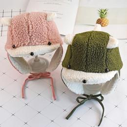 Chapeaux pour enfants automne et hiver garçons chauds bonnets de neige  filles épaississement bébé Lei Feng chapeau mode cache-oreilles bébé bonnet  en ... 489d50da678
