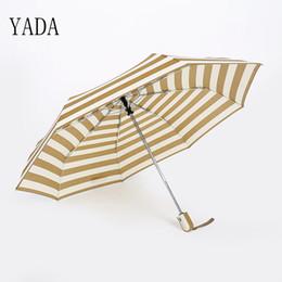 Encantos de paraguas online-YADA Azul Raya Amarilla Plegable Charms Paraguas Lluvia Mujeres Paraguas DIY Automático Para Mujeres A Prueba de Viento Paraguas Personalizados YS069