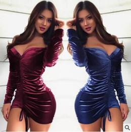 Venta al por mayor vestido de manga larga sexy Europa y los Estados Unidos  terciopelo Open-back paquete falda de la cadera Formal elegante vestido  plegable ... 5b68fd2e6e38