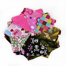 Wholesale Various Cartoon - Fashion Dogs Triangle Scarf Colorful Cloth Adjustable Neckerchief Various Cute Patterns Classic Design New Arrival Dog Collars 3sr Y