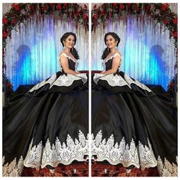 Mädchen 15 geburtstagskleider online-2018 Formale Gothic Black Sweet 16 Masquerade Quinceanera Kleider mit weißer Spitze arabische Vestidos 15 Anos Mädchen Geburtstag Prom Kleider Custom