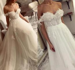 vestidos de estilo de plumas Rebajas A-Lline Off The Shoulder Vestidos de novia 2018 con plumas de encaje vintage Vestidos de novia de estilo country de playa baratos