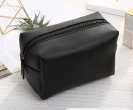 Wholesale Cute Cosmetic Packaging - Cosmetics collection bag portable waterproof small and cute simple cosmetic bag women's large volume small package.