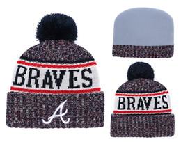 Atlanta tapfere hüte online-2018 New Sport Braves Baseball Skullies Hat Pom Gefesselt Gestrickte Hüte Mit Gestickten Team Logo Fans Mode Atlanta Winter Frauen Mützen