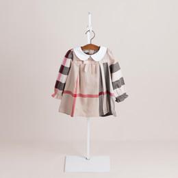 2019 muñecas lolita Niñas a cuadros de manga larga vestido de otoño nuevos niños solapa de la muñeca Arcos vestido de diseñador de estilo niños de algodón enrejado vestido de niñas vestidos casuales A01113 rebajas muñecas lolita