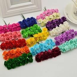fiori artificiali di nozze usati Sconti 1 cm di fiori di carta artificiale per auto matrimonio Rose finte utilizzate per la decorazione Candy Box fai da te Corona Handmade 144pcs / Lot
