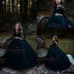2019 fiori gotici 2019 Gothic Black New Ball Gown Girl Pageant Abiti con perline Sash Flower Girl Abiti maniche lunghe a file Tulle Abiti di compleanno BC0202 fiori gotici economici
