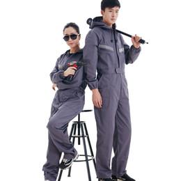 Arbeitende frauen overall online-Neue Arbeit Kleidung mit Kapuze Overalls Männer Frauen Arbeitskleidung Overalls Reflektierende Streifen Repairman Machine Schweißarbeiter tragen Jumpsuit