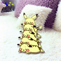 japanische brosche Rabatt 1 STÜCKE Kawaii Harajuku Gestapelte Pikachu Acryl Brosche Japanischen Anime Kleidung Abzeichen Dekorative Rozet Kragen Schal Revers Pin Broach
