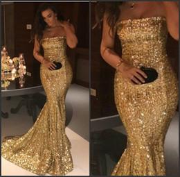 2019 meilleures robes de bal de sirène d'or Balayage train slinky élégante sans bretelles robe de bal d'or de paillettes longue robe de soirée de sirène meilleur robe de nuit d'or en ligne meilleures robes de bal de sirène d'or pas cher