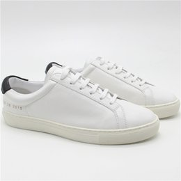 Wholesale Up Profile - Low profile Luxury Sneakers Common Projects Achilles Low In Top White Black Pink Shoes Men Women Genuine Leather Womens Casual Shoes flats