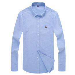 más el tamaño de camisas de oxford Rebajas Nueva Moda Oxford Tela Algodón Excelente Cómodo Slim Fit Collar de botón Hombres de negocios Camisas casuales TopsS -6xl Tallas grandes al por mayor