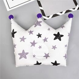 Мультфильм принцесса принц онлайн-Подушки для новорожденных Baby Anti-Roll Pillow Cartoon Crown Prince Princess Cute Pompom Baby Forming Pillow Pillows