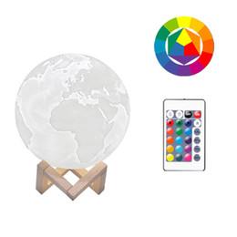 materiales de puesta a tierra Rebajas 3D Print Earth nightlight 16 Lámpara Led de color con soporte de madera Control remoto Usb Luz nocturna recargable PLA Material blanco