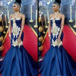 Magnifique Royal Blue Longue Sirène Robes De Soirée Longue 2019 Halter Dentelle Appliques Africaines Robes De Fête De Bal Rouge Tapis Robe ? partir de fabricateur