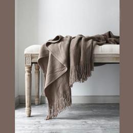 Спальные покрывала онлайн-Вязаная горячая распродажа Cobertor Вязаное одеяло для кроватей Бросить одеяло Плоскость путешествия Пледы Диван Покрывало Вязание Одеяла для спальни