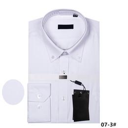 Forma magro da camisa on-line-Moda 2018 homens de luxo camisas de manga comprida camisa de vestido dos homens camisa branca preta Slim Fit algodão de alta qualidade Chemise Homme