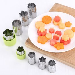 Wholesale fondant flowers wholesale - Stainless Steel Puzzle Fruit Vegetable Cutter 12pcs Set Kitchen Tools Mold Flower Shape Cutter Cookie Fondant Accessories OOA4632