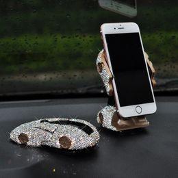 """Handydekoration iphone online-Bling Bling Sportscar Form Auto Handyhalter mit Kristallen Armaturenbrett Dekoration Ornament GPS Ständer für 4 """"bis 6,5"""" iPhone Xiaomi"""