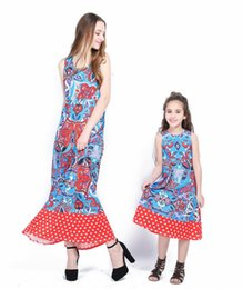 Wholesale Baby Mommy Dresses - New mother daughter dress vintage long dresses for women girl sleeveless mommy and me family clothes argyle dress baby and mom