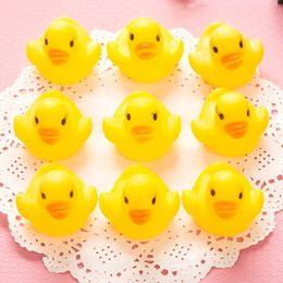 Canards en caoutchouc jaune en gros en Ligne-2018 gros bébé bain d'eau canard jouet jouets Sons caoutchouc jaune canards enfants se baigner enfants plage cadeaux