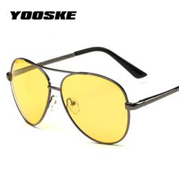 158b73ec76ebf YOOSKE Óculos de Visão Noturna Óculos Homens Polarizados Condução Óculos De  Sol Das Mulheres Retro Quadro de Liga Amarela Óculos de Sol para Escuro ...
