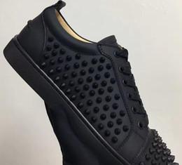 Paris Designer Low Top en cuir noir avec des pointes Lace Up Causal Homme Femme Pas Cher Sneaker Rouge Bleu Noir Plat Bas Party Shoes Taille 36-47 ? partir de fabricateur