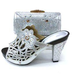 7b3de588 Zapato italiano de color plateado con bolsos a juego ¡Zapato y bolsa  africanos de alta calidad para la fiesta en mujeres Tacones altos de boda  nigerianos!