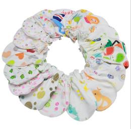 Guantes anti-arañazos online-El bebé ama los guantes anti-agarre cuidado del bebé recién nacido Anti Scratch Gloves niños recién nacido Animal Print Mittens KKA3840