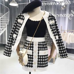 Inghiottire i vestiti online-Amolapha Women England Style Pocket Button Swallow Gird Coat + Mini Gonne 2 pezzi Abbigliamento Set Abiti