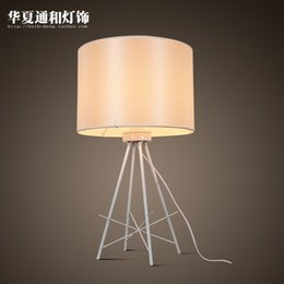 Wholesale Decorative Iron Works - Modern minimalist table lamp creative table lights study bedroom bedside work living room decorative lighting lamps