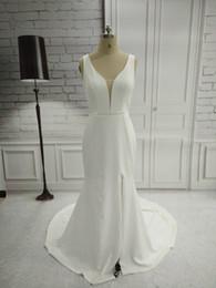 Vestidos de noiva imagens de trem longo on-line-Real Pictures Elegant Mermaid Satin Long Side Slit Wedding Dresses 2018 Custom Made Open Back Sweep Train V-Neck Bridal Gowns