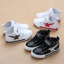 Venta caliente niños zapatos niños y niñas bebé neta zapatos huecos transpirables zapatos casuales envío gratis desde fabricantes
