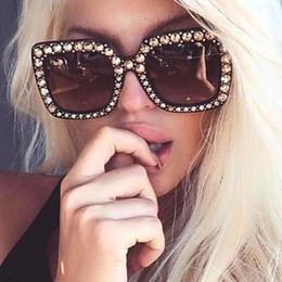 Wholesale vintage pink diamond - Luxury Cat Eye Sunglasses Women Italy Brand Designer Diamond Sun glasses Ladies Vintage Oversized Shades Female Goggle Eyewear YW165